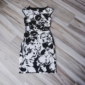 🆕 Size 8 Anne Klein Black White Floral Dress